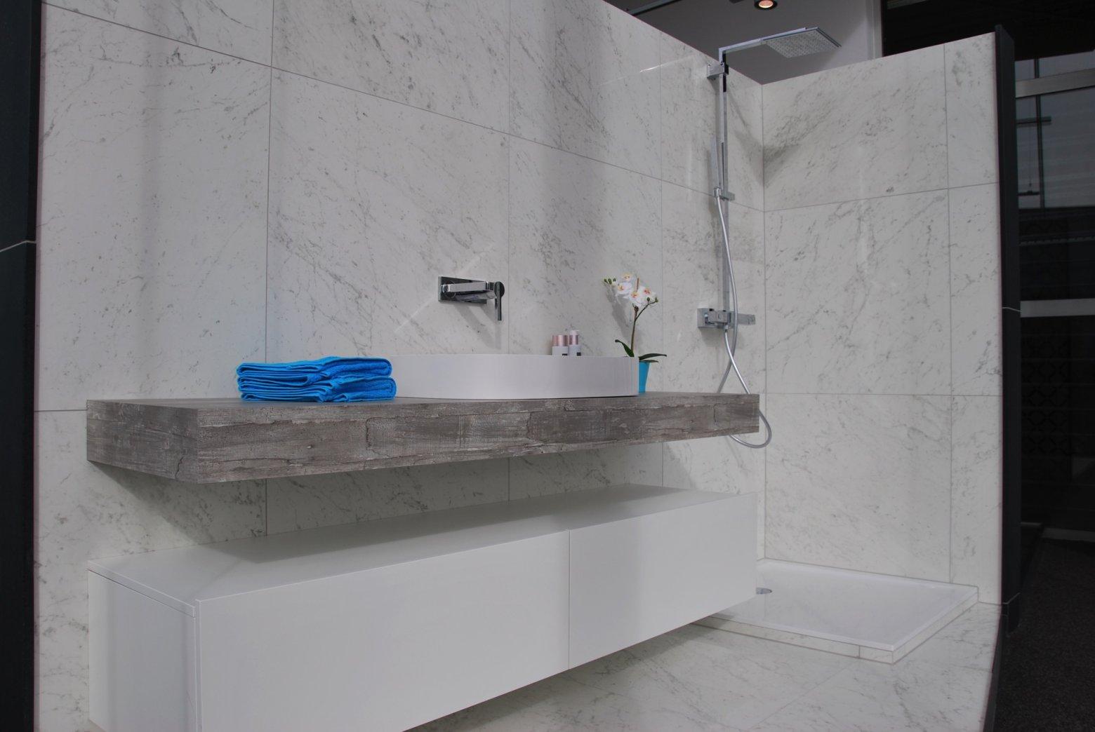 Ideeen Badkamer Renovatie : Van calster toonzaal in antwerpen