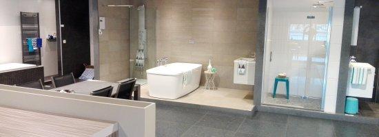 Badkamerrenovatie Geel nummer 1 badkamerrenovaties.jpg