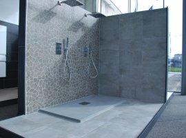 moderne strakke eigentijdse badkamerrenovatie.jpg